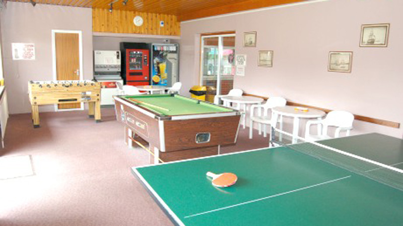 games-room